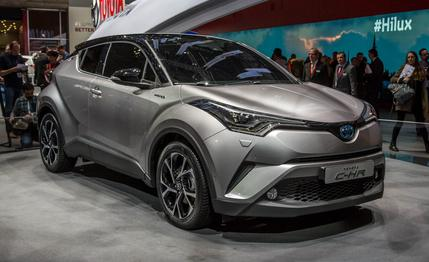 2017-toyota-c-hr-photos-and-info-news-car-and-driver-photo-666474-s-429x262
